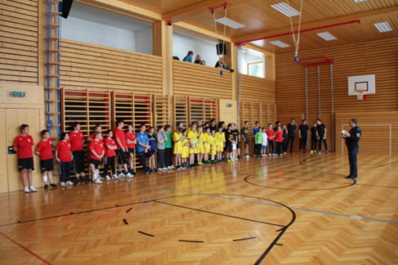 Gruppenfoto vom Fussballturnier