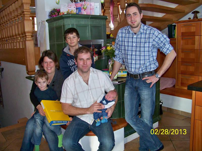 Junge Erdenbuergerin Anna Magdalena Kendler und ihre Eltern
